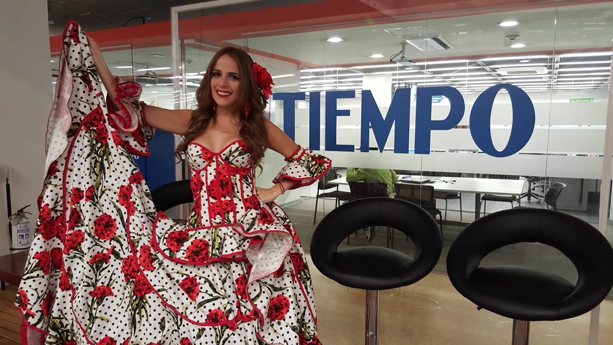 Exitosa gira de medios de la reina Stephanie Mendoza en Bogotá
