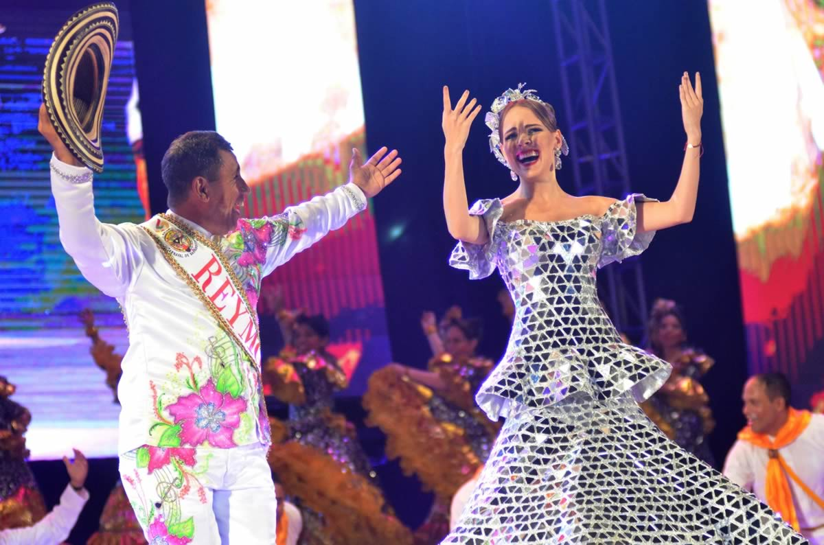 El Carnaval de Barranquilla visita al Nobel de Paz Juan Manuel Santos