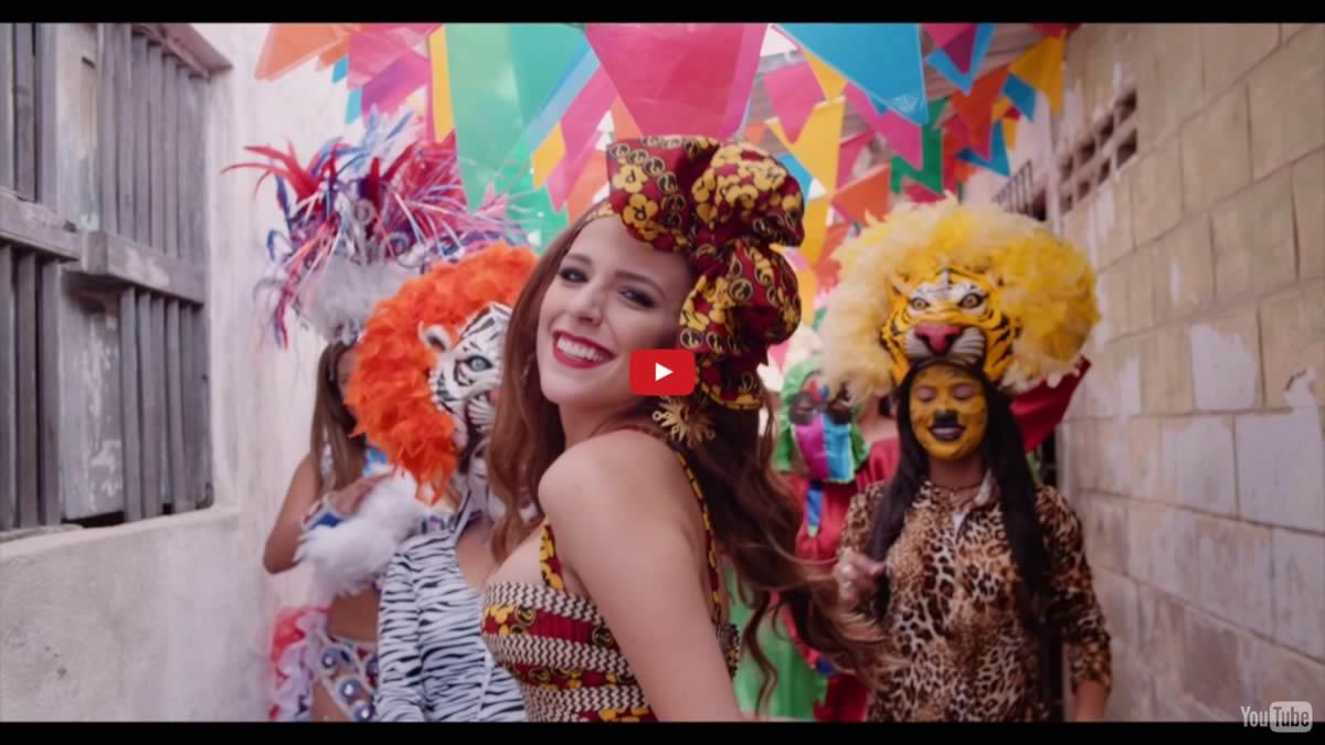 La Reina Stephanie lleva el Carnaval a las calles de Barranquilla en su video oficial