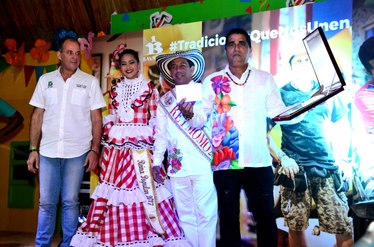 Desde 1930 la familia Rodríguez ha salido a las calles de Barranquilla con la Danza Los Cabezones, personajes que bailan alegremente al ritmo de los tambores que retumban en la Vía 40, durante la Batalla de Flores y la Gran Parada.