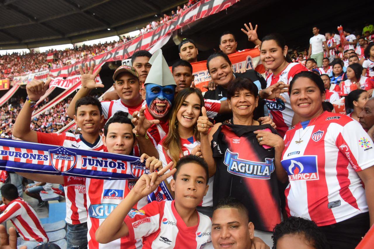 La Reina Valeria asistirá al partido Junior vs. Nacional a bordo del sistema Transmetro