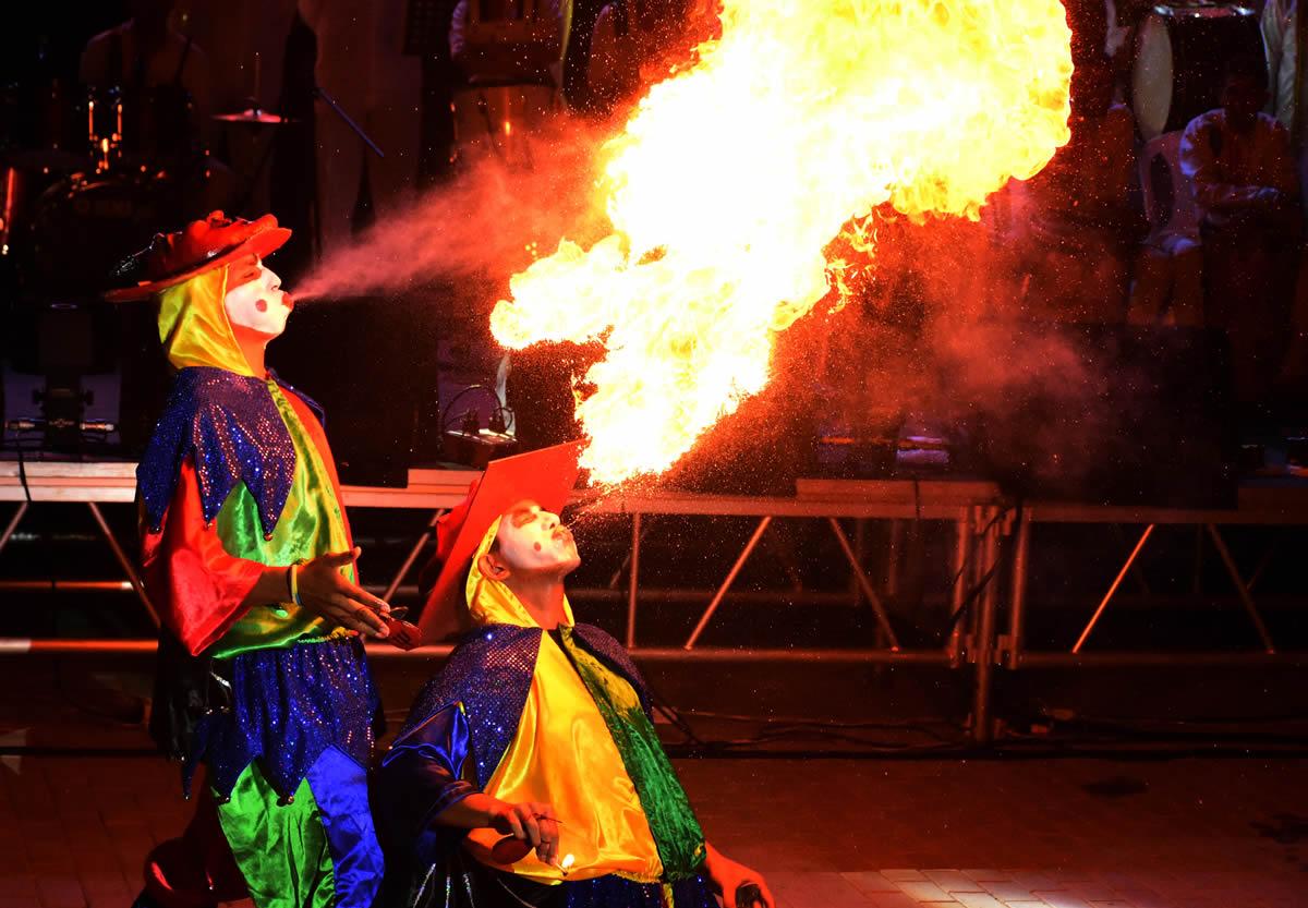 La Danza Diablos Arlequines de Sabanalarga hicieron parte de la muestra folclórica presentada en el Congreso de Anato.