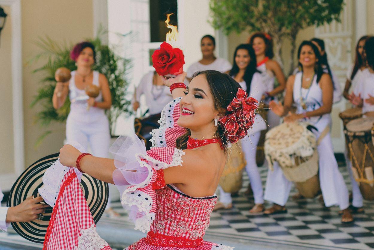 Reina del Carnaval 2018 recibe decreto en el Malecón