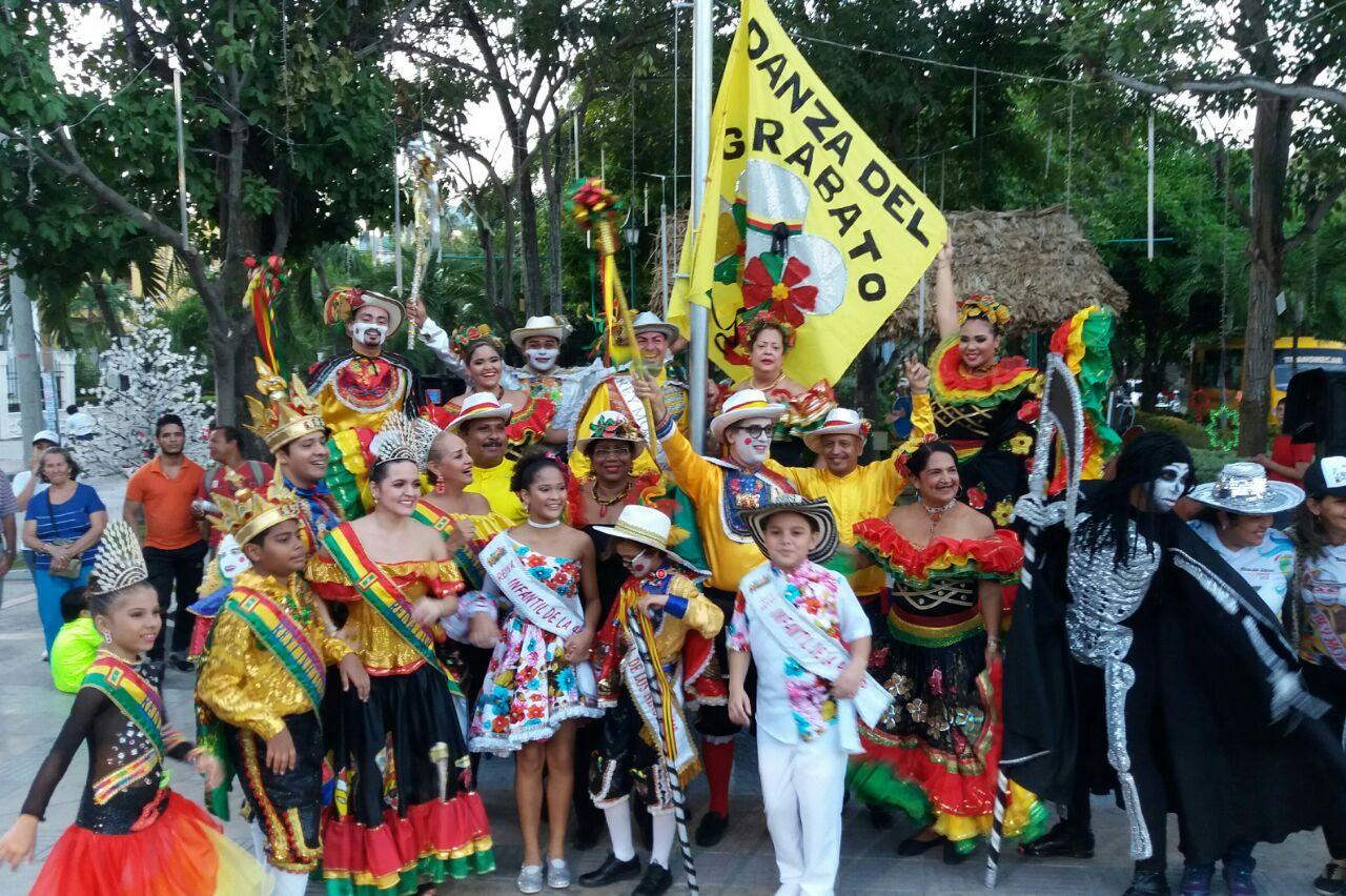 Rey Momo 2018 presidió Izada de Bandera de Garabatos