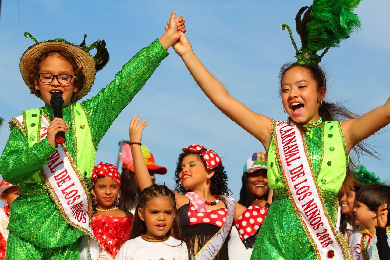 Derroche de tradición en el segundo Paco Paco del Carnaval de los Niños