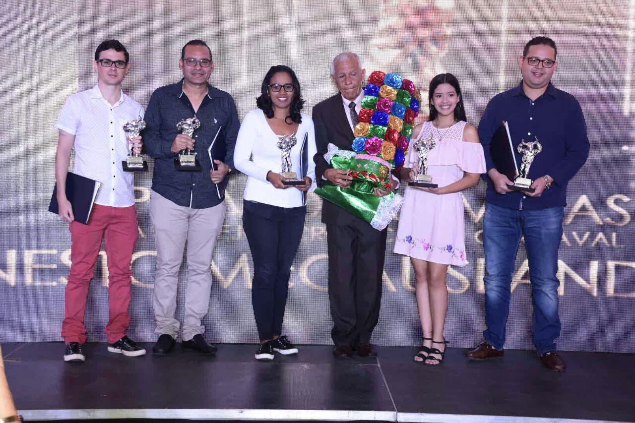Emotivo homenaje al 'Gancho' Buitrago en Premio Promigas Ernesto McCausland