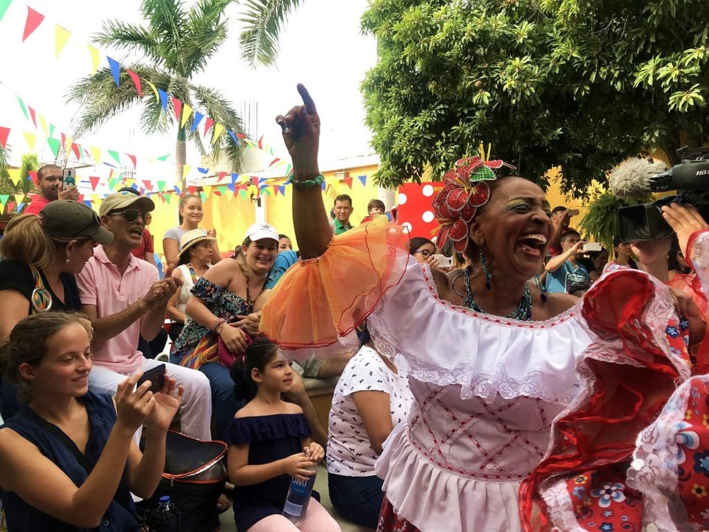 Cumbiamba La Revoltosa, la que baila y goza.