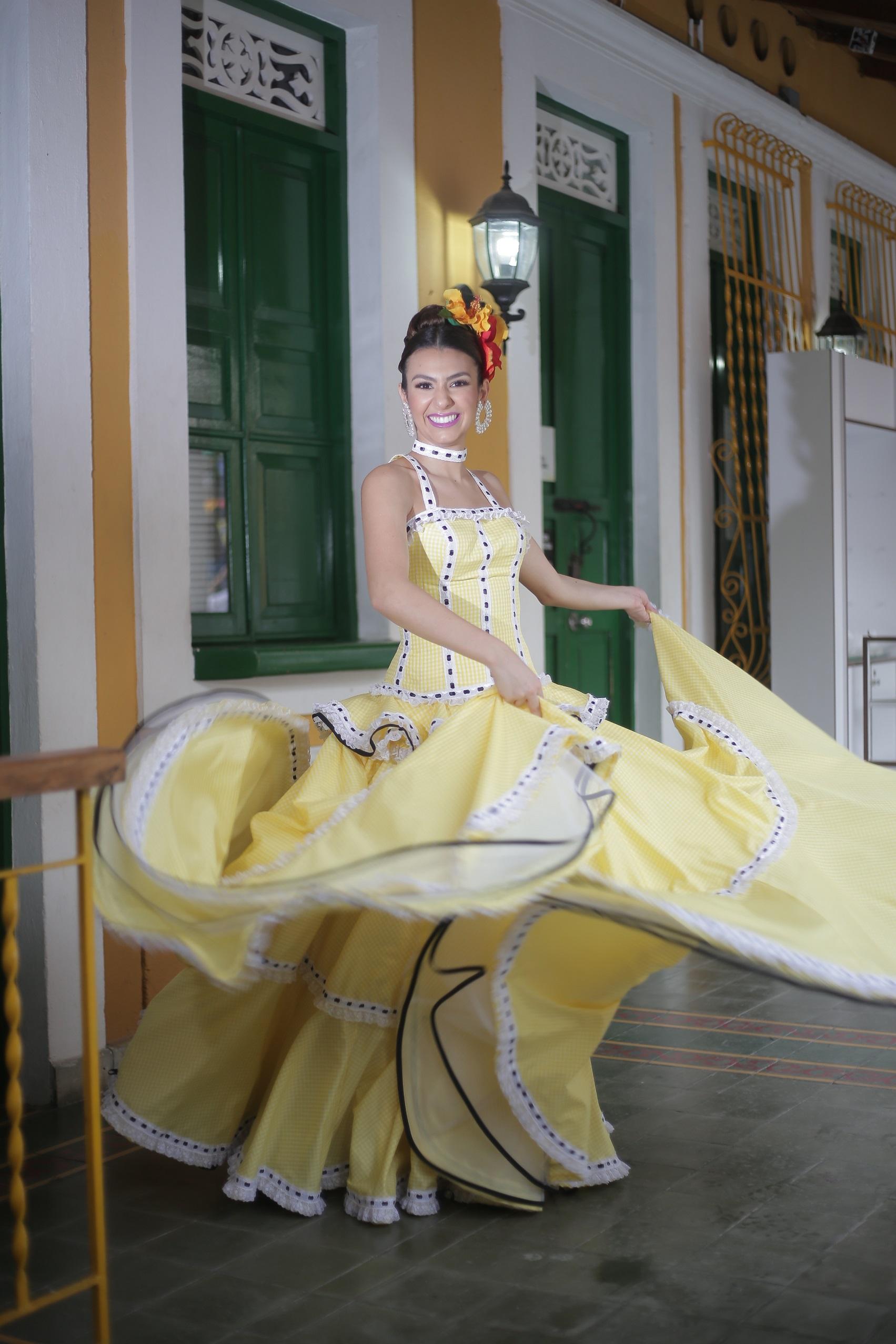 La Reina Carolina Segebre, invitada especial al Desfile de la Hispanidad en Nueva York