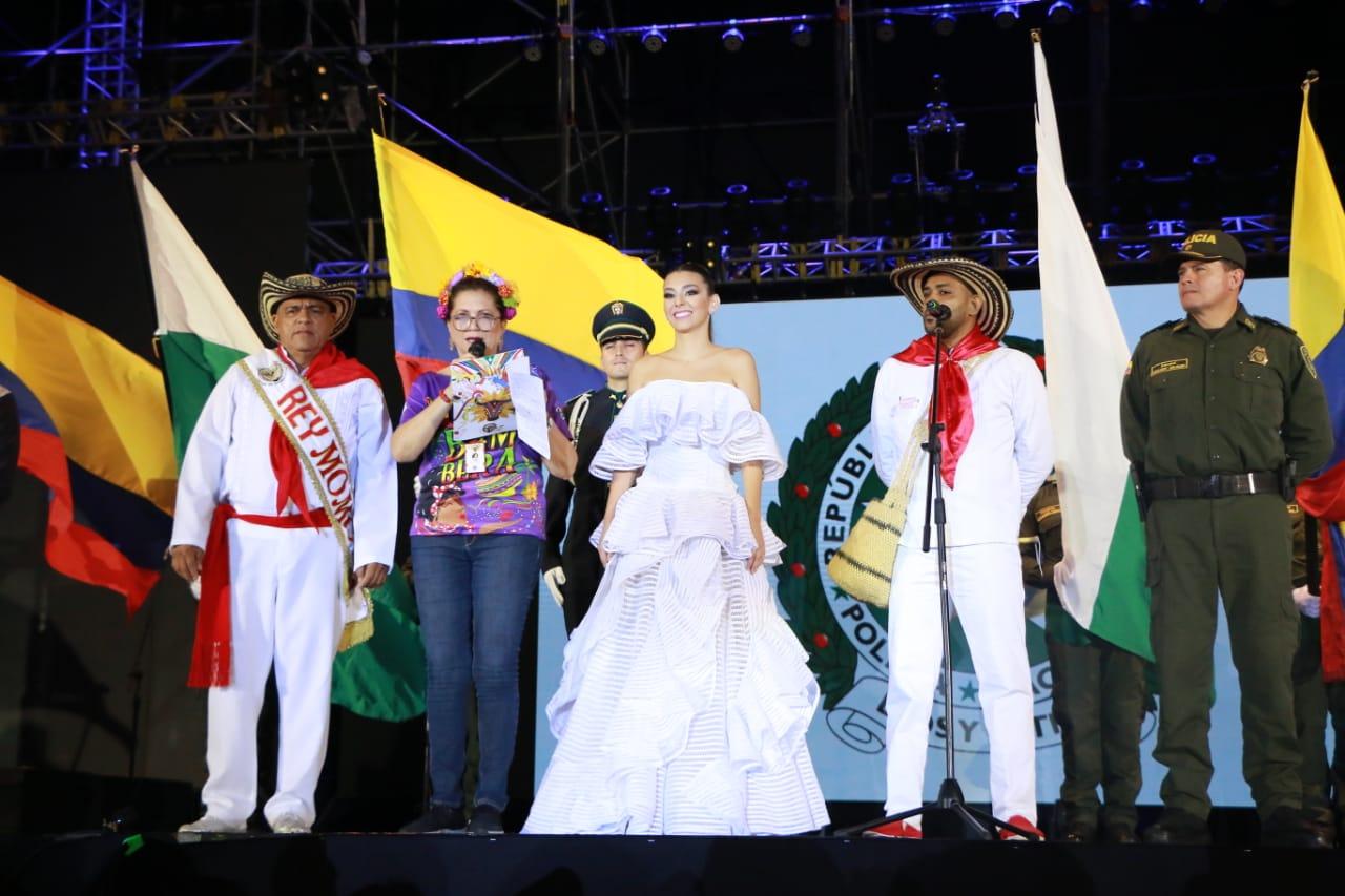 Con homenaje a la Policía Nacional arrancó el Bando del Carnaval 2019