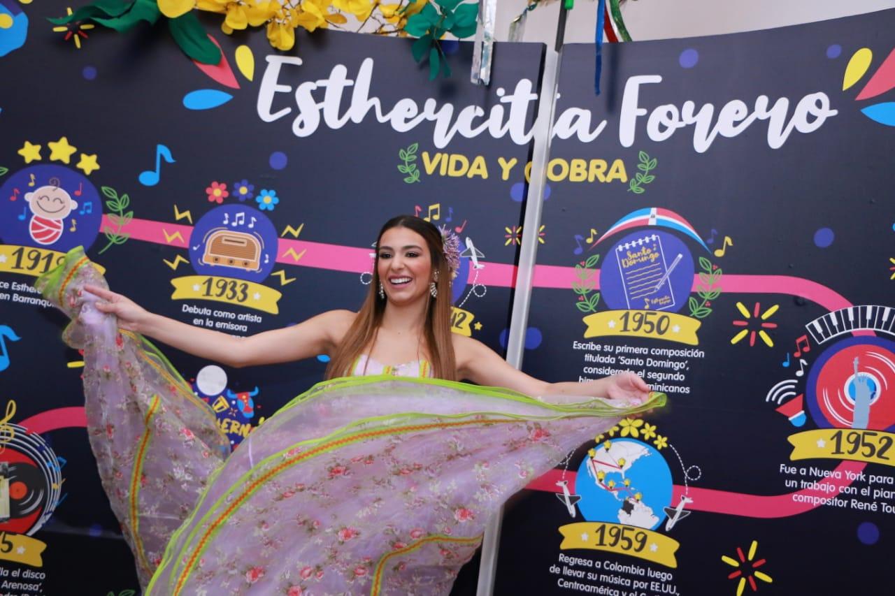 El universo de Esthercita Forero se expone en  la Intendencia Fluvial
