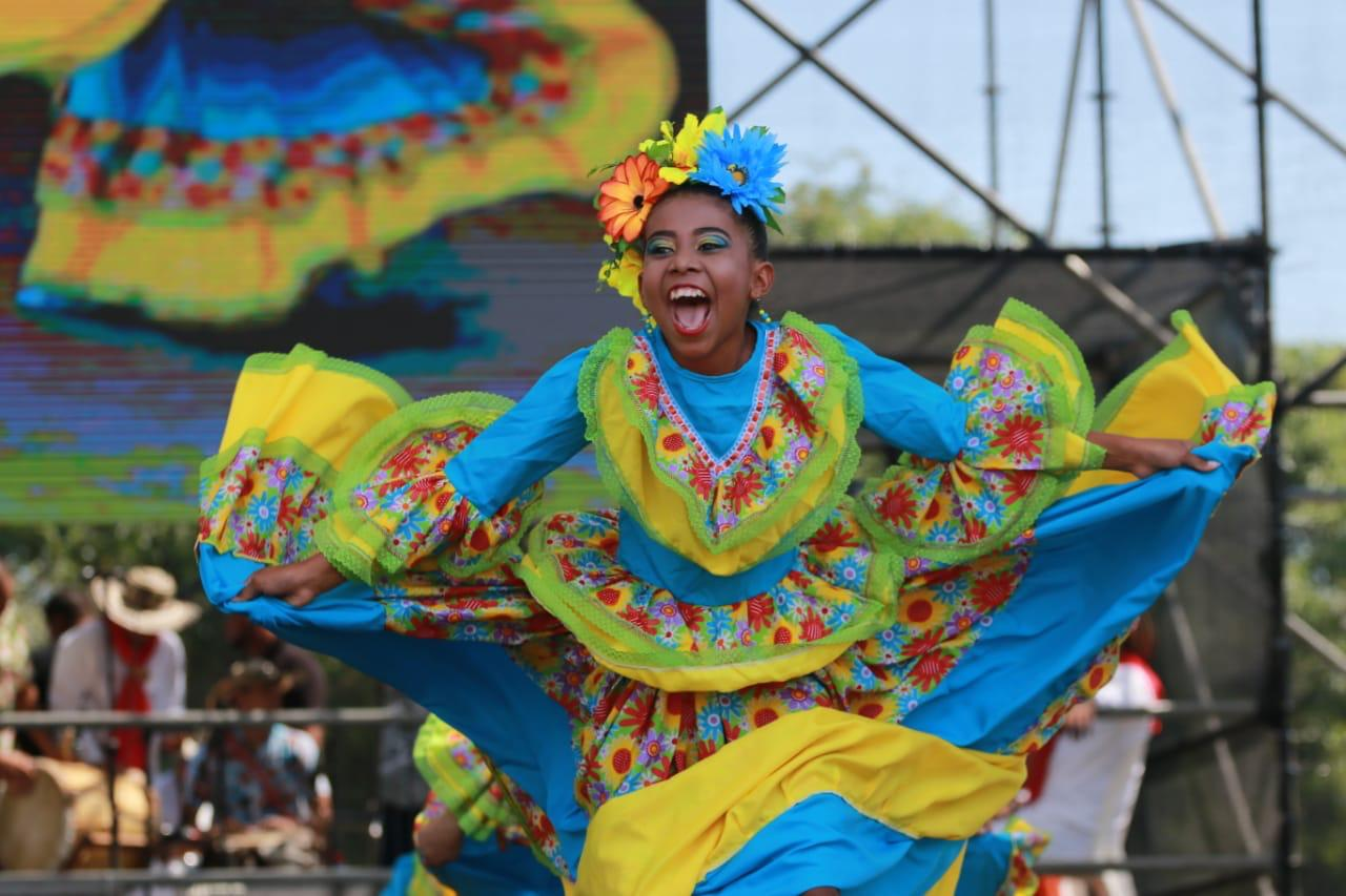 La tradición brilló en la Plaza de la Paz con el Semillero del Carnaval