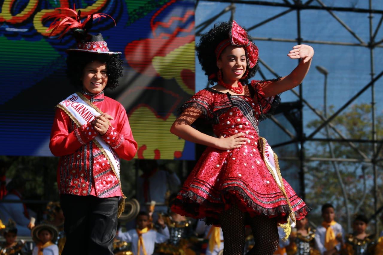 Isabella y Cesar presentan su canción ¡Que viva el Carnaval!