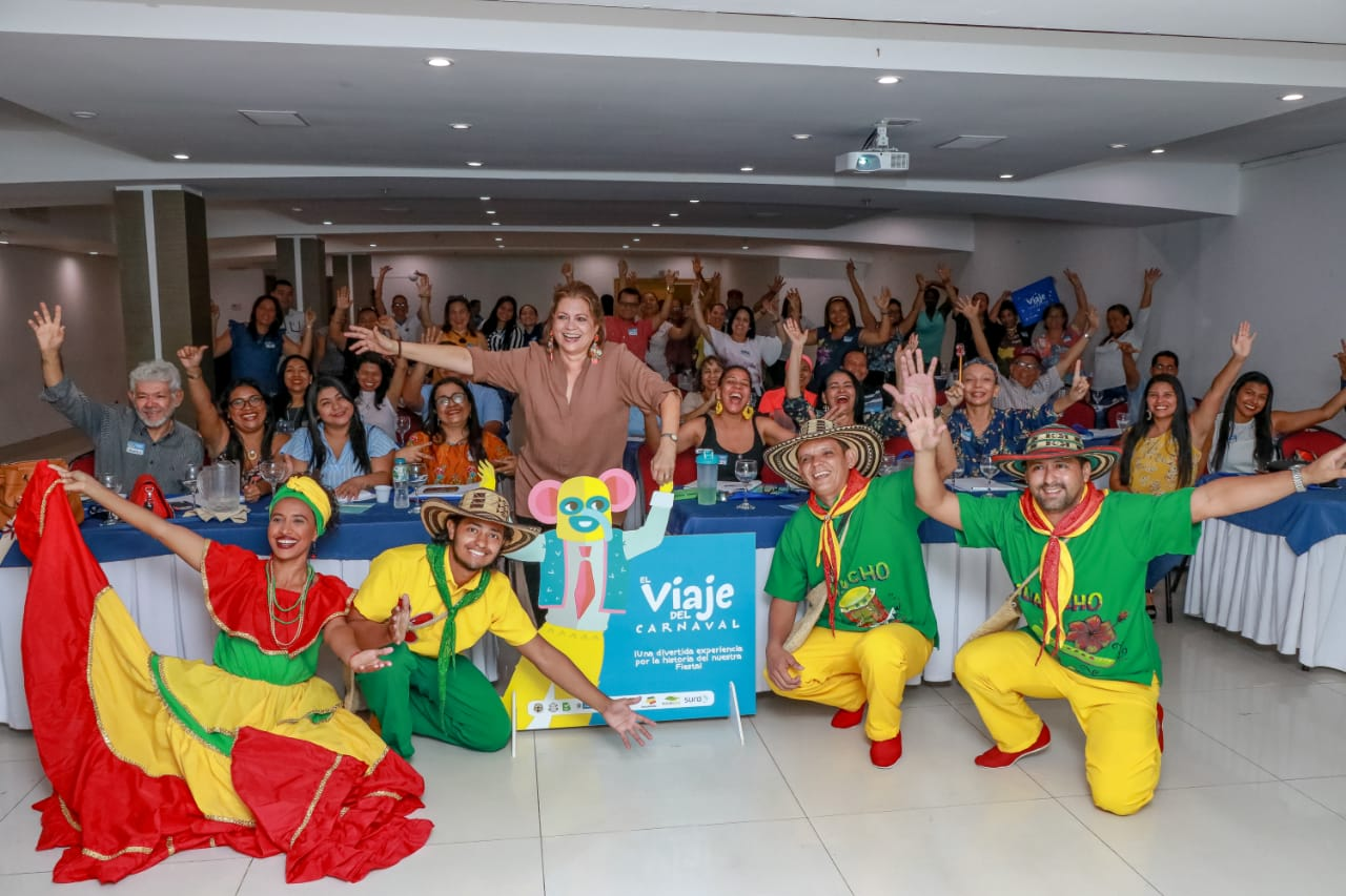 Docentes de Barranquilla embarcaron en cuarto vuelo de 'El Viaje del Carnaval'