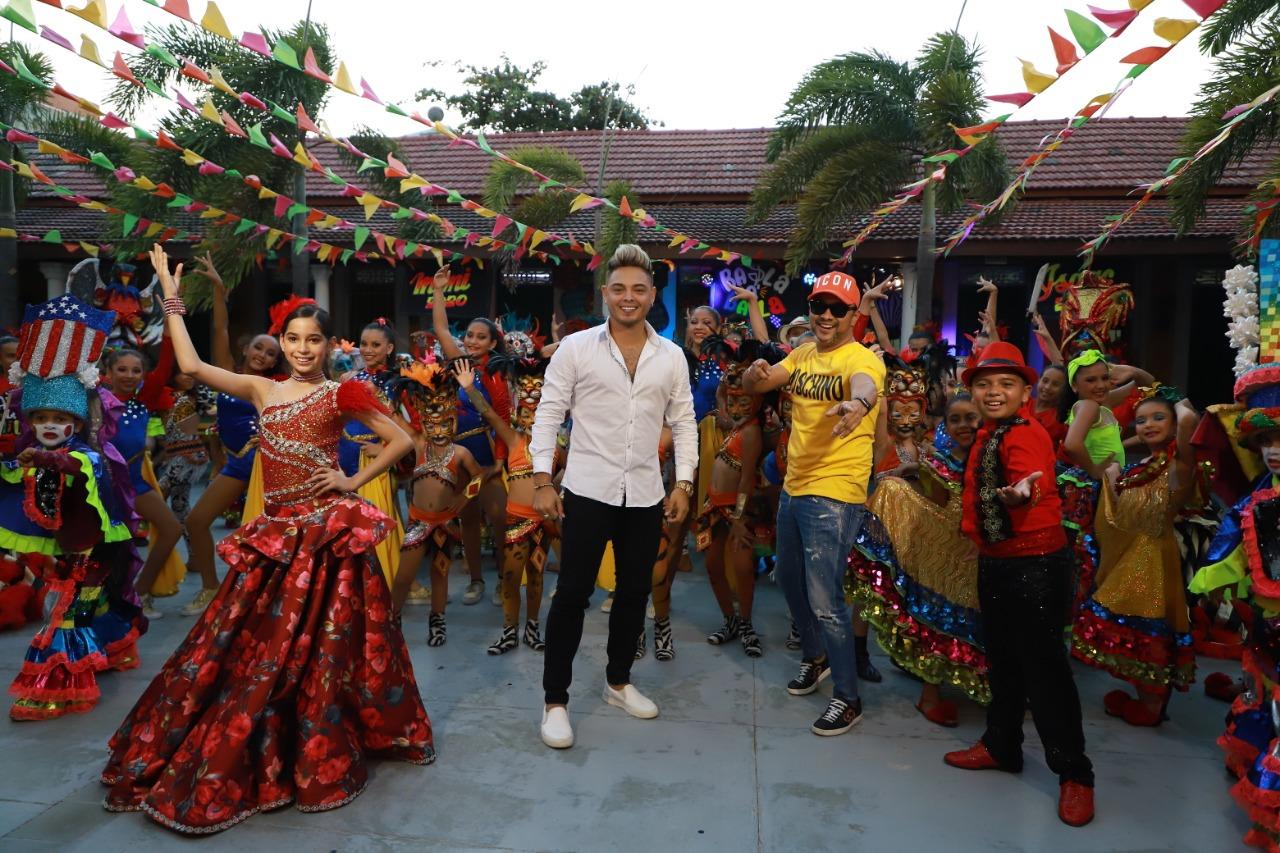 Reyes del Carnaval de los Niños, presentan  video de 'Baila que Baila'