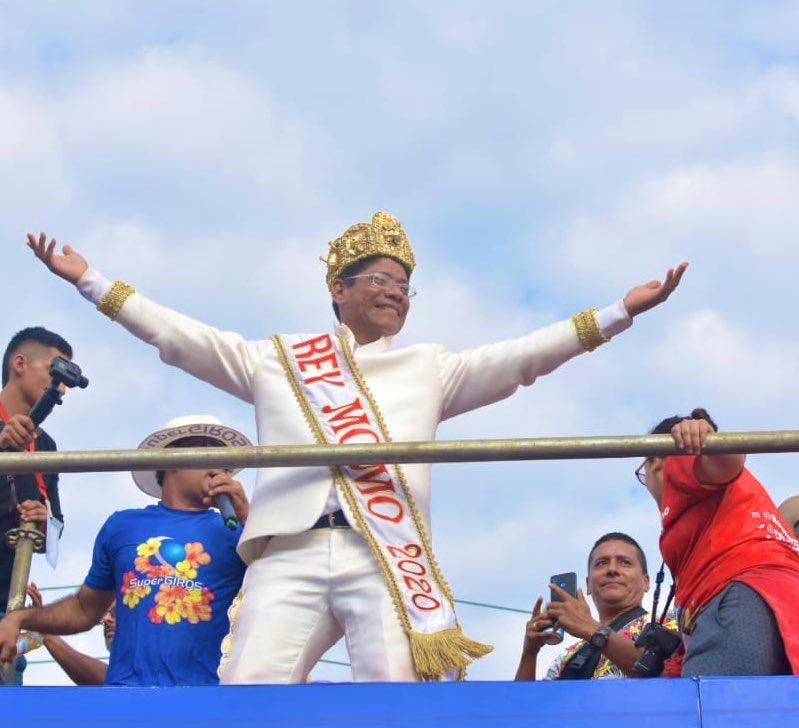 ¡Desfile del Rey Momo, una celebración por lo alto!